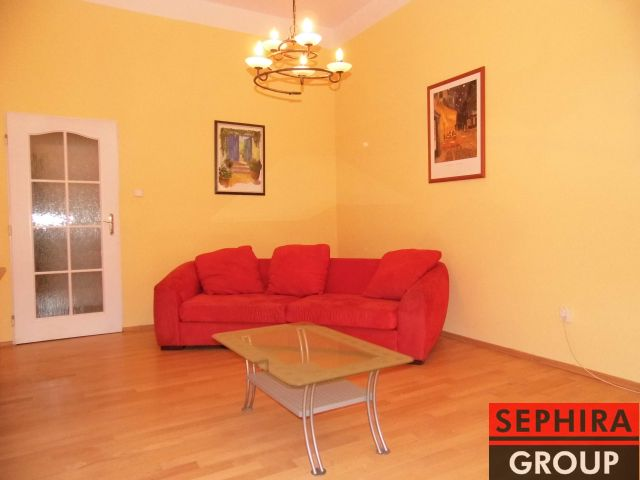 Pronájem bytu 3+1 s balkónem, P2, Vinohrady, Francouzská ul., 74 m2, zařízeno, ihned volné