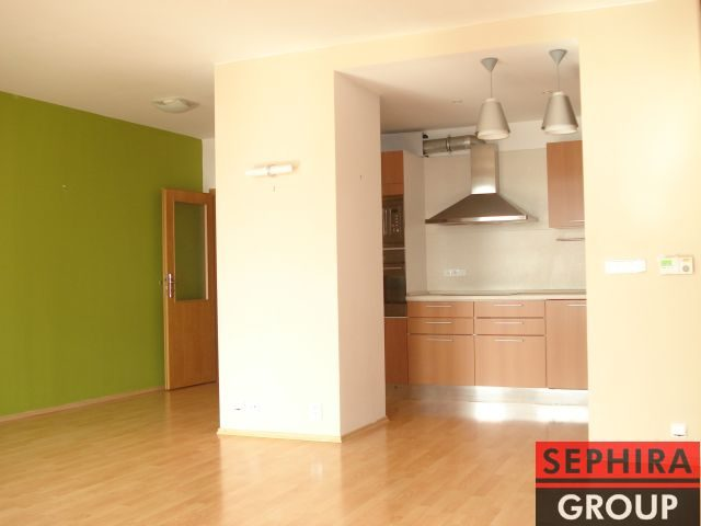 Pronájem bytu 3+KK s balkónem, P8, Libeň, ul. Nad Okrouhlíkem, 93 m2, nezařízeno, ihned volné