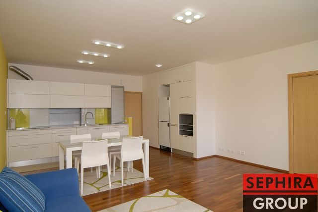 Pronájem bytu 4+KK s terasou a garáží, P9, Hrdlořezy, Hrdlořezská ul., 111 m2, zařízeno