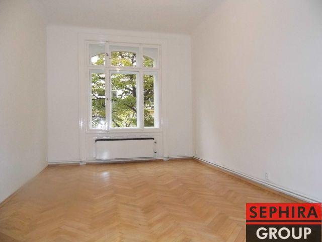 Pronájem bytu 4+1 s balkónem, P2, Vinohrady, Chodská ul., 101 m2, nezařízeno, ihned volné