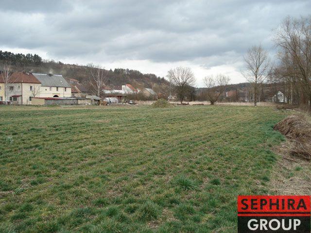 Prodej stavebního pozemku o ploše 1 189 m² v obci Otvovice, okr. Kladno