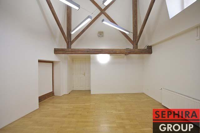 Pronájem 11 kanceláří, P1, Nové Město, Klimentská ul., 297 m2, nezařízeno, ihned volné
