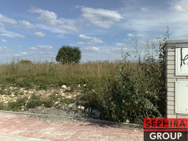 Prodej stavebního pozemku o ploše 800 m2 v obci Dobrovíz, okr. Praha-západ