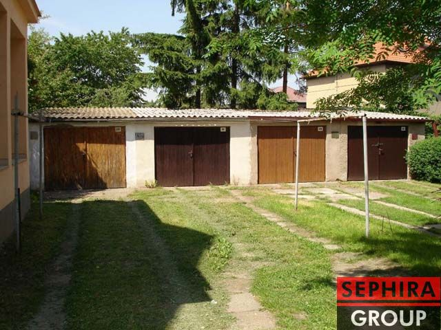 Prodej garáže, P9, Letňany, Kladrubská ul., 21 m2, OV, ihned volné