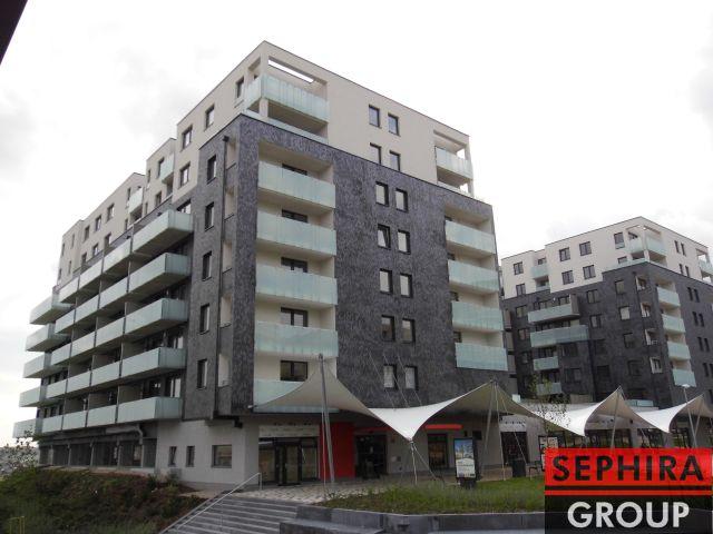 Pronájem bytu 1+KK (2+KK) s balkónem a garáží, P5, Stodůlky, nám. Junkových, 51 m2, nezařízeno, ihned volné