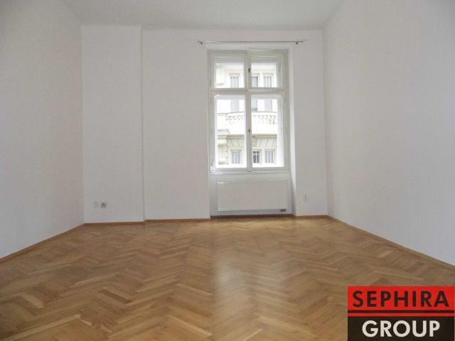 Pronájem bytu 3+1, P2, Nové Město, Ječná ul., 100 m2, po rekonstrukci, nezařízeno, ihned volné