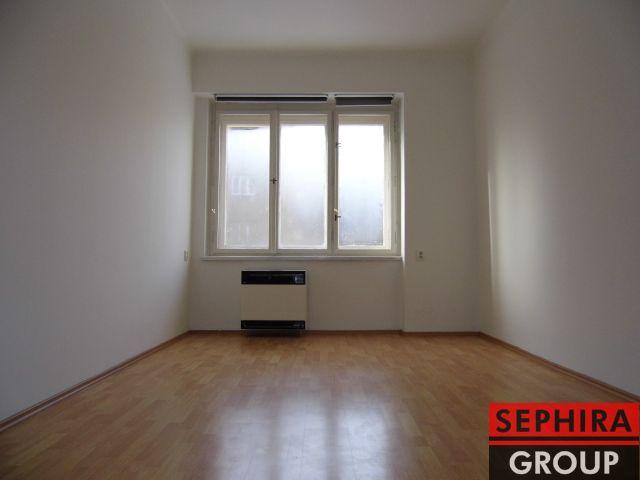 Pronájem bytu 2+KK s lodžií, P4, Nusle, ul. U Čtyř domů., 48 m2, nezař., klidné místo, ihned volné