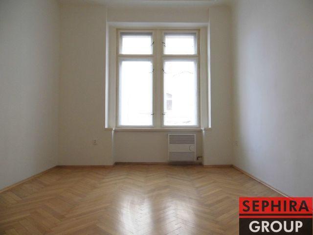 Pronájem bytu 1+1, P2, Vinohrady, Chodská ul., 39 m2, nezařízeno, ihned volné