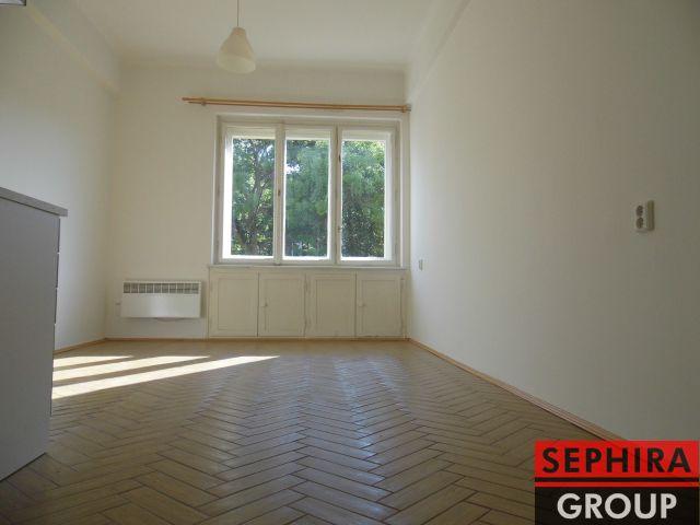 Pronájem garsoniéry, P4, Nusle, U Čtyř domů, 23 m2, nezařízeno, 4 min. chůze k metru C Pankrác