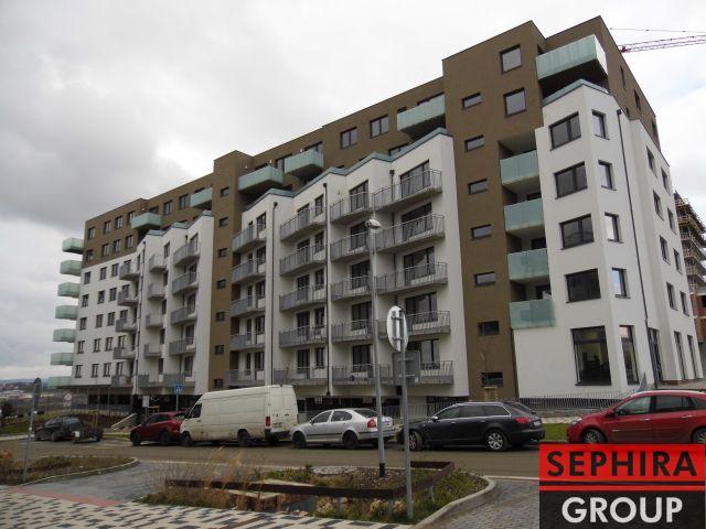 Pronájem bytu 3+KK s lodžií a garáží, P5, Stodůlky, Svitákova ul., 81 m2, nezař./část. zař., ihned volné