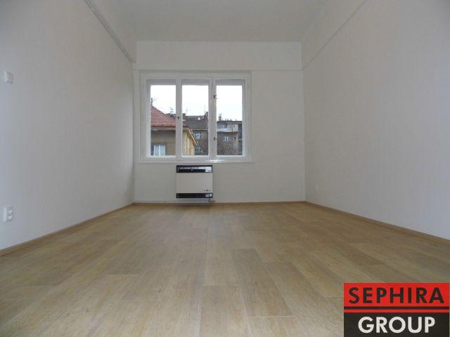 Pronájem bytu 2+KK s lodžií, P4, Nusle, U Čtyř domů, 53 m2, nezař., po rekonstrukci, klidné místo, ihned volné