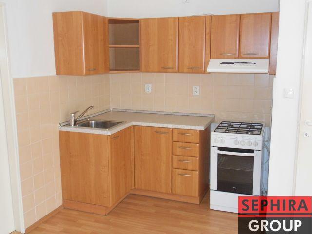 Pronájem bytu 2+KK, P4, Nusle, U Čtyř domů, 45 m2, nezařízeno, po rek., ihned volné
