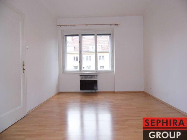 Pronájem bytu 2+KK s lodžií, P4, Nusle, U Čtyř domů, 51 m2, nezařízeno, po rek., ihned volné