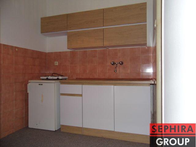 Pronájem bytu 1+KK, P6, Bubeneč, Eliášova ul., 29 m2, nezařízeno, ihned volné