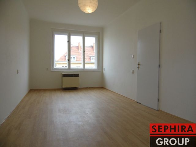 Pronájem bytu 2+KK, P4, Nusle, U Čtyř domů., 50 m2, nezařízeno, ihned volné