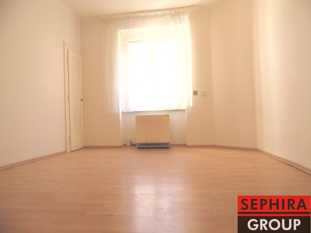 Pronájem bytu 1+KK, P8, Libeň, Ronkova ul., 26 m2, nezařízeno, ihned volné