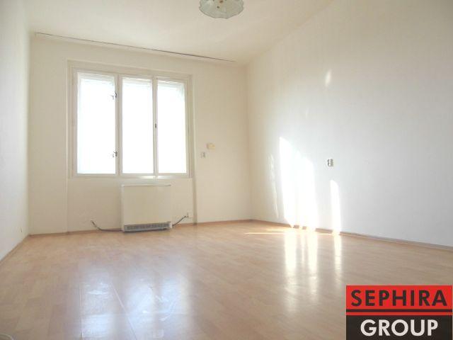 Pronájem bytu 2+KK, P8, Libeň, Ronkova ul., 46 m2, nezařízeno, ihned volné