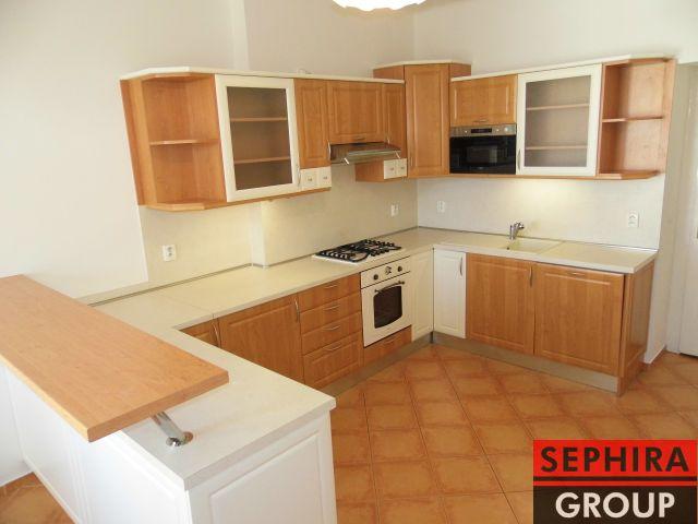 Pronájem bytu 4+1 s pracovnou a 2 balkóny, P2, Vinohrady, Čerchovská ul., 153 m2, nezařízeno, ihned volné