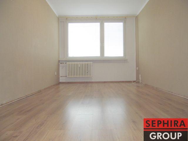 Pronájem bytu 2+KK, P4, Kamýk, Machuldova ul., 49 m2, část. zař., ihned volné