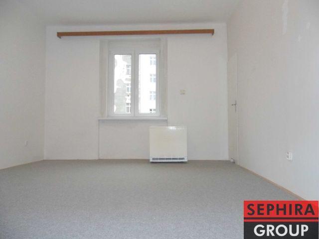 Pronájem bytu 1+KK, P8, Libeň, Ronkova ul., 29 m2, nezařízeno, ihned volné