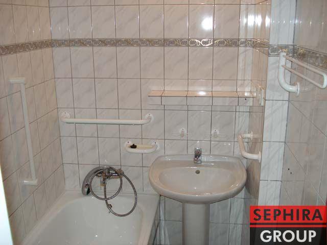 Pronájem bytu 2+KK s lodžií, P9, Prosek, Jablonecká ul., 48,6 m2, nezařízeno, klidné místo, ihned volné k nastěhování