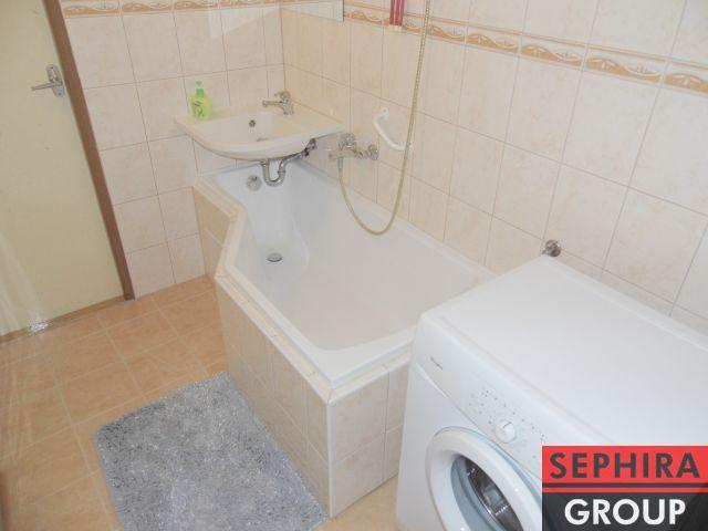 Pronájem bytu 3+1 s lodžií, P8, Kobylisy, Chabařovická ul., 67 m2, nezařízeno/zař., u metra Ládví, ihned volné