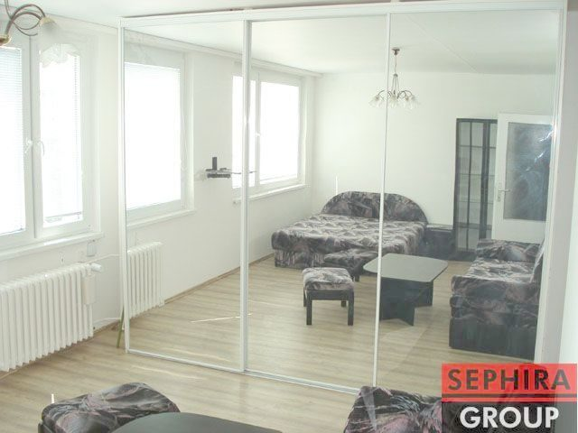 Pronájem bytu 1+KK, P5, Stodůlky, ul. Suchý Vršek, 40 m2, zařízeno, u metra B Hůrka