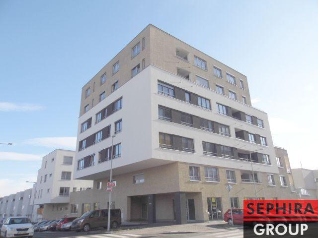 Pronájem obchodních prostor 364 m2 + 37 m2 sklad, Klausova ul., P5, Stodůlky, prodejna potravin a smíšeného zboží + 3 garážová stání, volné cca od 1. 6. 2021